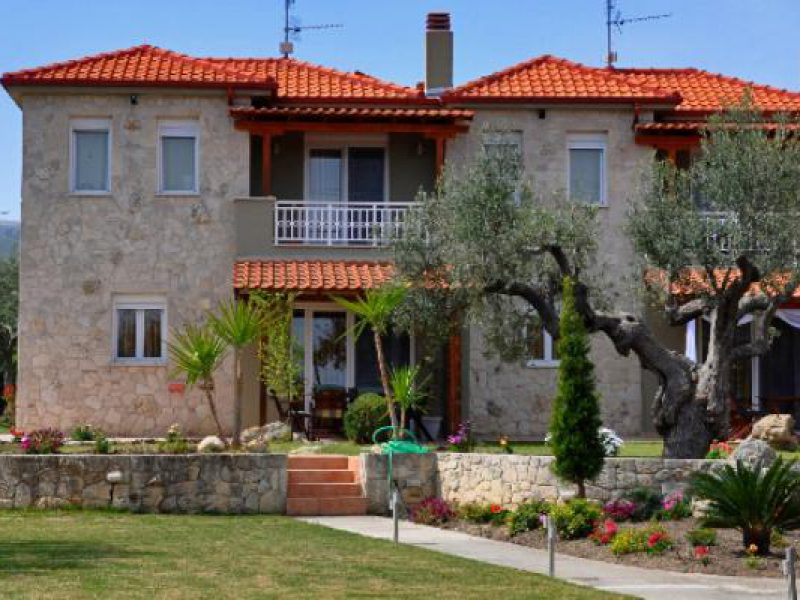 12 villas out nikon2013 23812850x340 1000x400 1 800x600 1