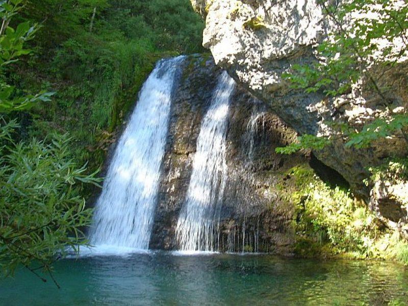 waterfall enipeas 800x600